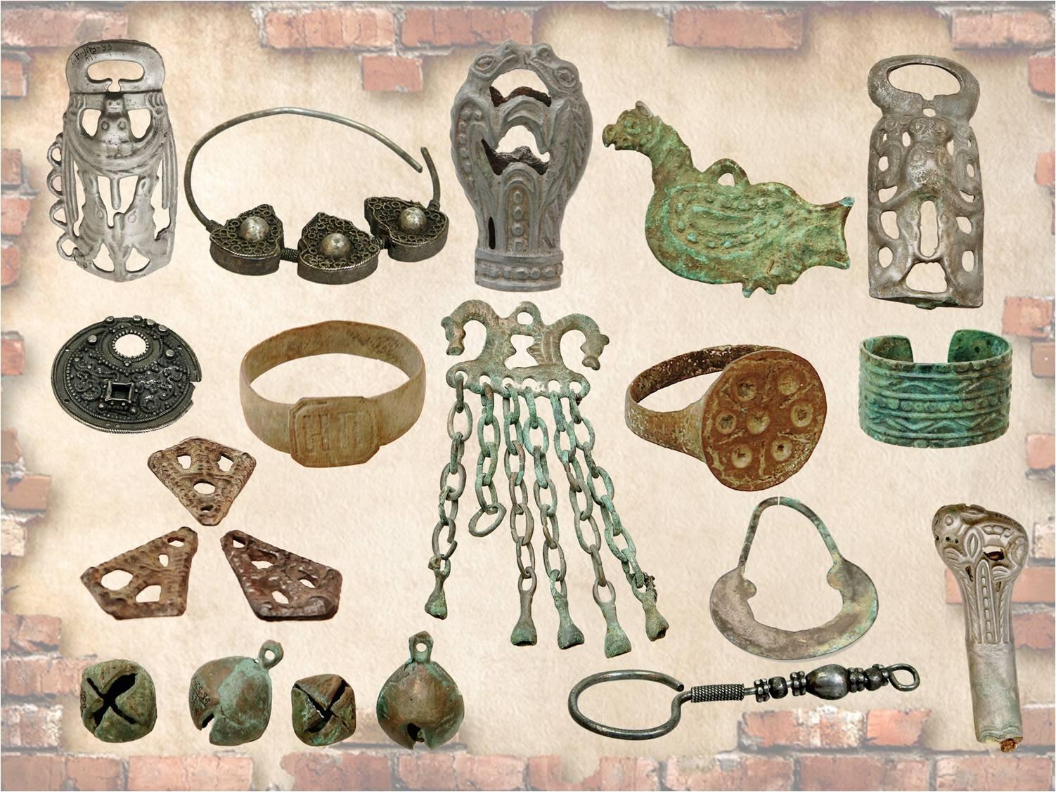 картинки археологические раскопки средних веков лопатке